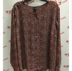 6th & LN Red Star Print Button Down Blouse